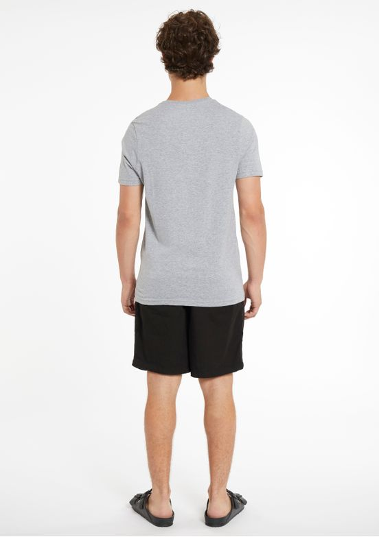 REMERA-tothe-body